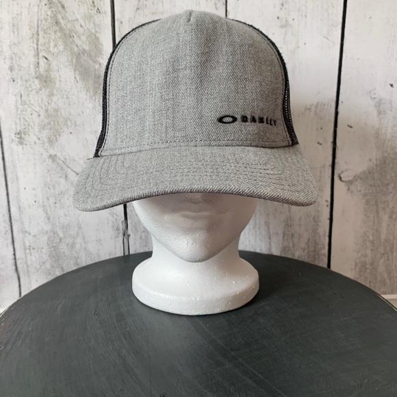 Oakley Other - Oakley Snap Back Hat